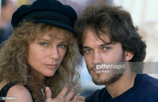 English actress Jacqueline Bisset and Swiss actor Vincent Perez on the set of the film La maison de Jade directed by Nadine Trintignant