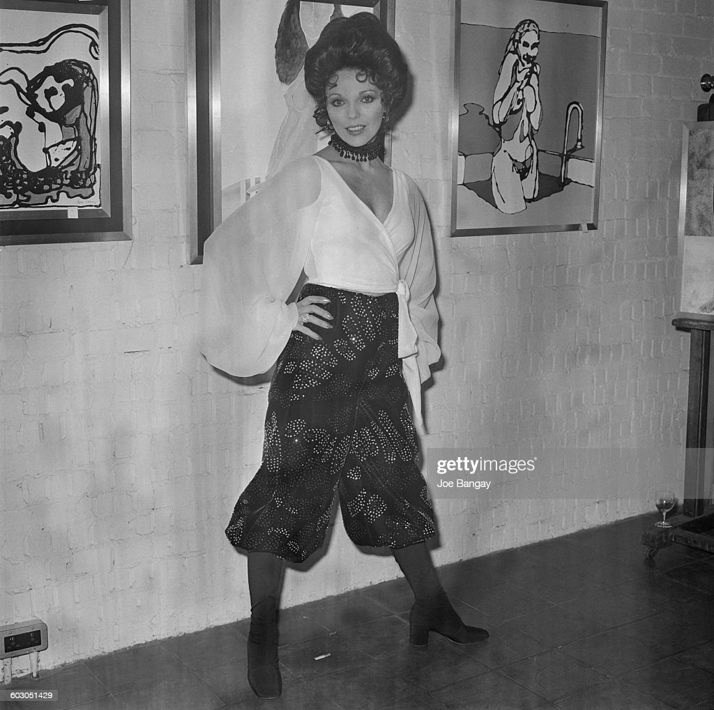English actress Joan Collins at an art viewing UK 21st January 1971