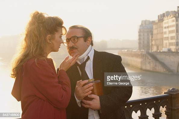 English actress Natasha Richardson with English actor Bob Hoskins on the set of 'The Favour the Watch and the Very Big Fish' directed by Polishborn...