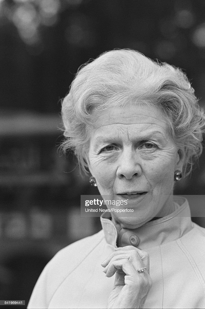 English actress <a gi-track='captionPersonalityLinkClicked' href=/galleries/search?phrase=Wendy+Hiller&family=editorial&specificpeople=224914 ng-click='$event.stopPropagation()'>Wendy Hiller</a> (1912-2003) pictured in London on 14th July 1982.