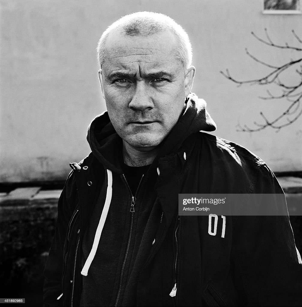 English artist <a gi-track='captionPersonalityLinkClicked' href=/galleries/search?phrase=Damien+Hirst&family=editorial&specificpeople=215142 ng-click='$event.stopPropagation()'>Damien Hirst</a> is photographed for Self Assignment on 2011 in Stroud, England.