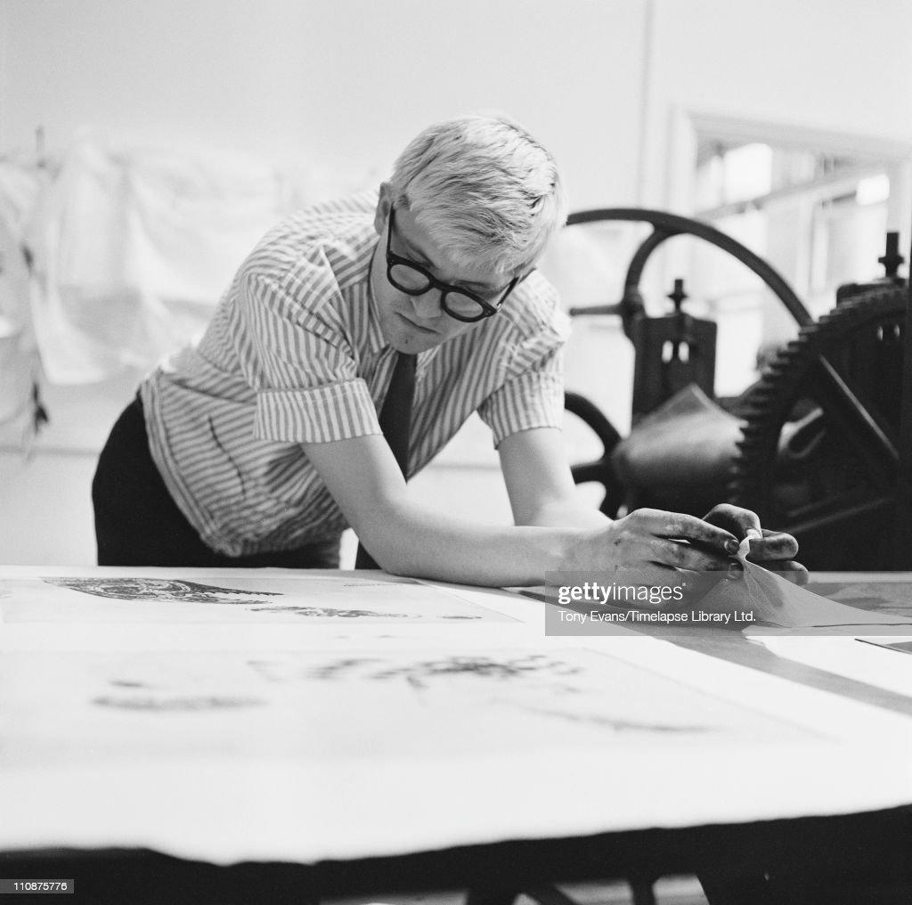 English artist David Hockney printmaking at the Edition Alecto Press studios London circa 1965