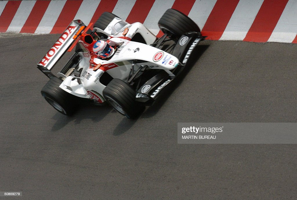 English BAR-Honda driver Jenson Button steers his car on the Monte-Carlo racetrack during the first free practice session three days before the Monaco Grand Prix, 20 May 2004 in Monaco.