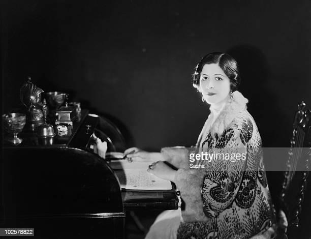 English cinema publicist Leila Stewart photographed by her husband Alex 'Sasha' Stewart 1925