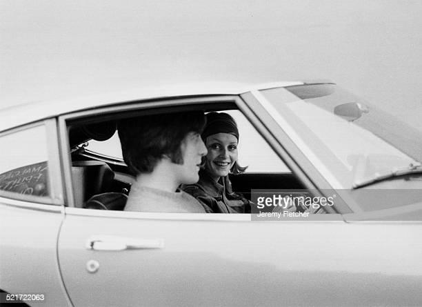 English fashion model Twiggy with her manager Justin de Villeneuve circa 1970