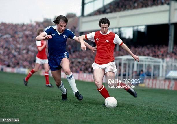 English Football League Division One Arsenal v Chelsea Liam Brady runs with the ball emma19276