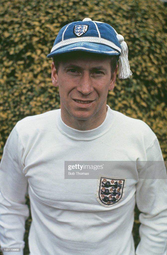 charlton girls Eroi mondiali: bobby charlton la storia dell'ex attaccante inglese salito sul tetto  del mondo nel 1966 con la sua nazionale.