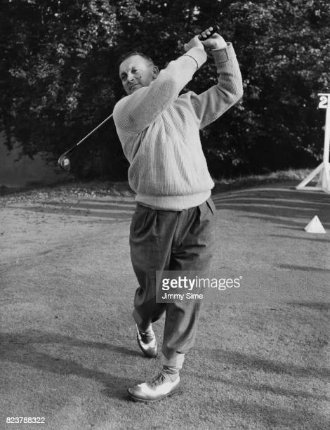 English golfer Arthur Lees in play at Wentworth during the Dunlop Masters' Golf Tournament UK 11th October 1951