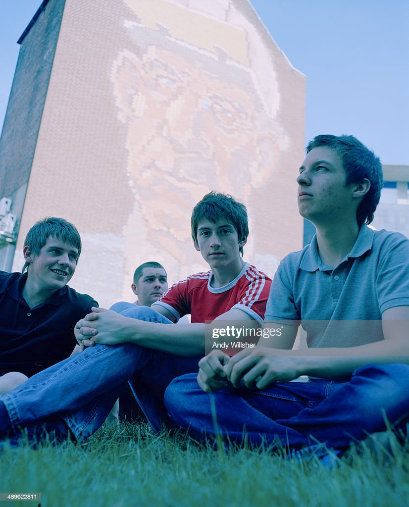 English indie rock band Arctic Monkeys, 2006. Left to right: guitarist Jamie Cook, bassist Andy Nicholson, singer Alex Turner and drummer Matt Helders.