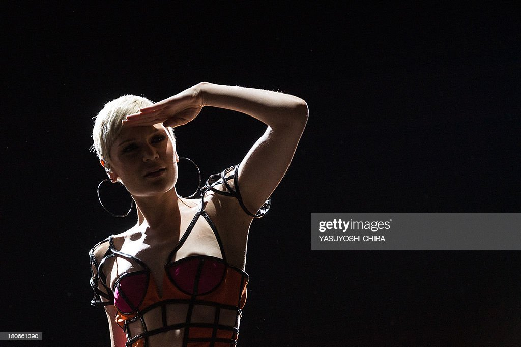 English Jessie J performs during the Rock in Rio music festival in Rio de Janeiro, Brazil, on September 15, 2013. AFP PHOTO / YASUYOSHI CHIBA