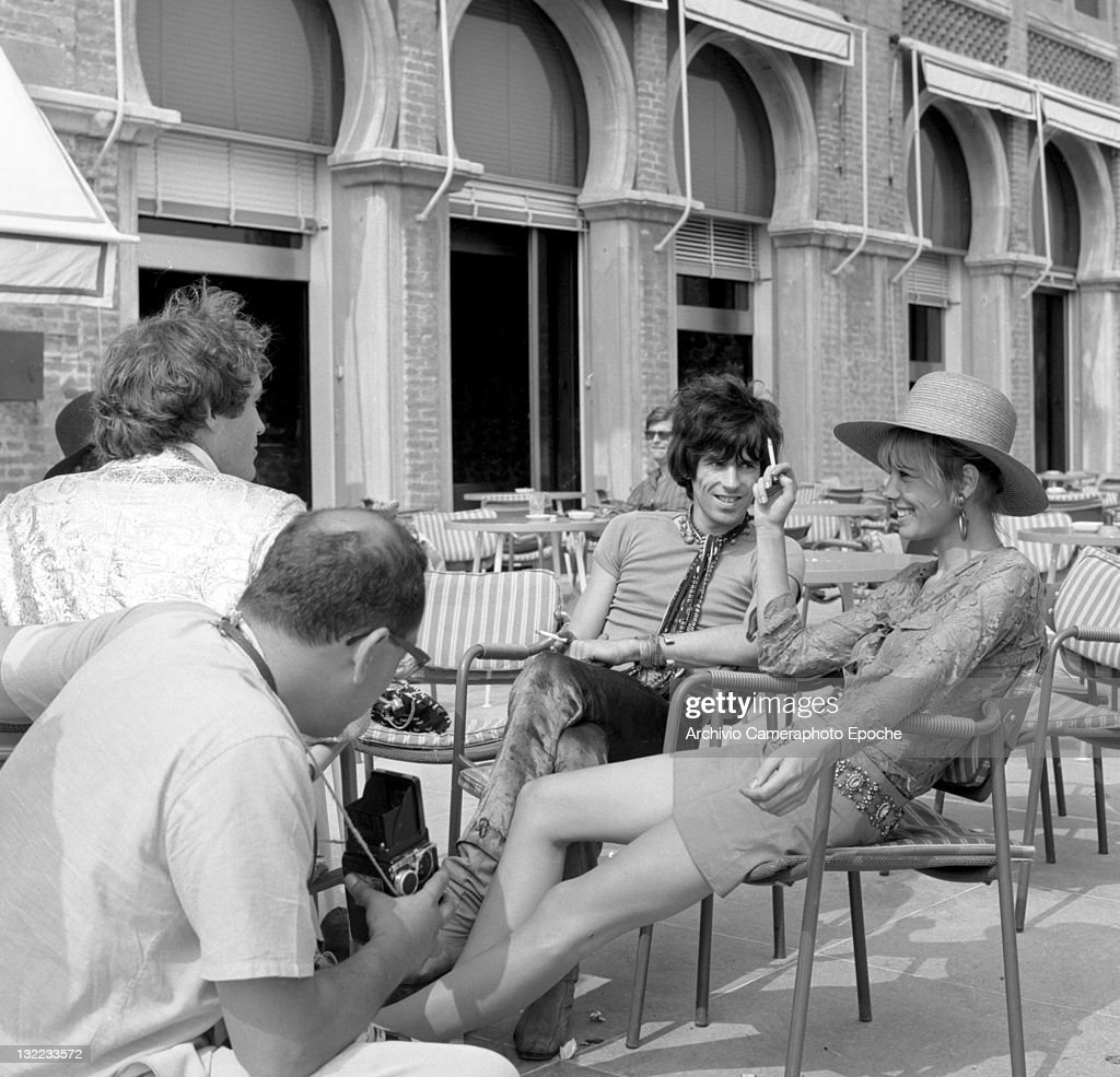 English musician Keith Richards and Anita Pallemberg during a shooting session outside the Excelsior Hotel Lido Venice 1967