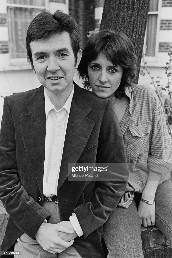 English musician Ronnie Lane (1946 - 1997) with his girlfriend, Boo Oldfield, UK, September 1983.