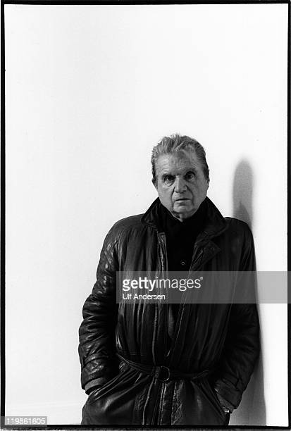 PARIS FRANCE JANUARY 1984 English painter Francis Bacon poses during portrait session in Galerie Maeght Lelong in january 1984 in Paris France