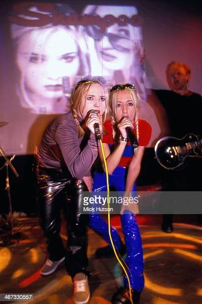 English pop band Shampoo on stage 1996