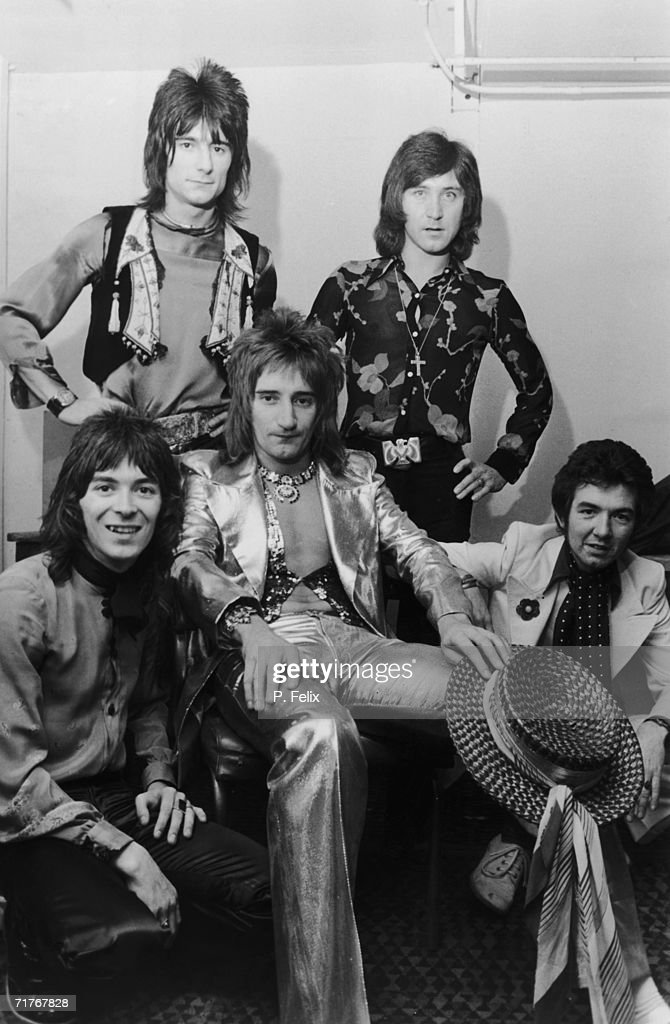 English pop group The Faces in their dressing room before a concert at Wembley Stadium, 30th October 1972. The New York Dolls and Slade are also on the bill. Left to right: <a gi-track='captionPersonalityLinkClicked' href=/galleries/search?phrase=Ian+McLagan&family=editorial&specificpeople=1567705 ng-click='$event.stopPropagation()'>Ian McLagan</a>, Ron Wood, <a gi-track='captionPersonalityLinkClicked' href=/galleries/search?phrase=Rod+Stewart&family=editorial&specificpeople=160467 ng-click='$event.stopPropagation()'>Rod Stewart</a>, Kenney Jones and Ronnie Lane.