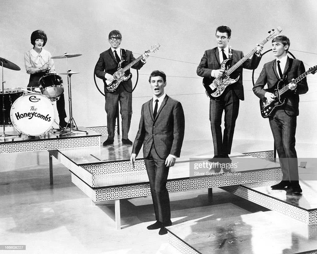 English pop group The Honeycombs performing, circa 1964. Left to right: Honey Lantree, Martin Murray, Denis D'Ell (1943 - 2005), John Lantree and Alan Ward.