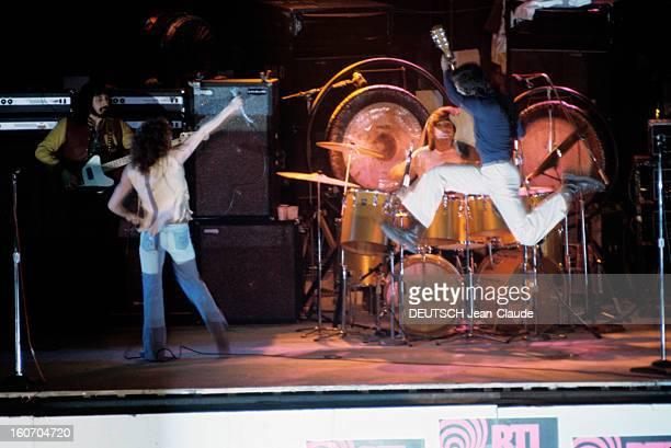 English Pop Group The Who Presents Their Last Rock Opera 'quadrophenia' Paris 10 février 1974 Lors de la tournée de concerts RTL au Palais des...