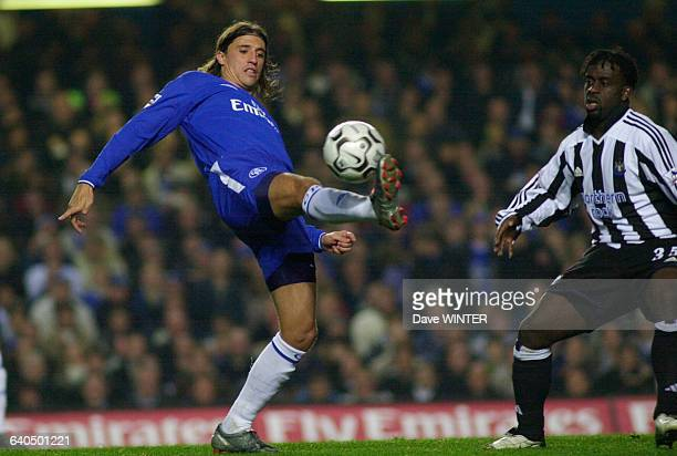 English Premiership Soccer Chelsea vs Newcastle United Hernan Crespo and Olivier Bernard Championnat d'Angleterre Saison 20032004 Chelsea contre...