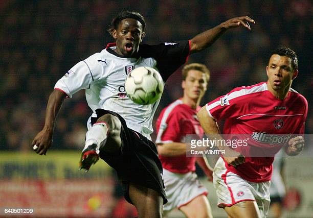 English Premiership Soccer Season 20032004 Charlton Athletic vs Fulham Louis Saha and Mark Fish Football Championnat d'Angleterre Saison 20032004...