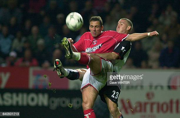 English Premiership Soccer Season 20032004 Charlton Athletic vs Fulham Radostin Kishishev and Sean Davis Football Championnat d'Angleterre Saison...
