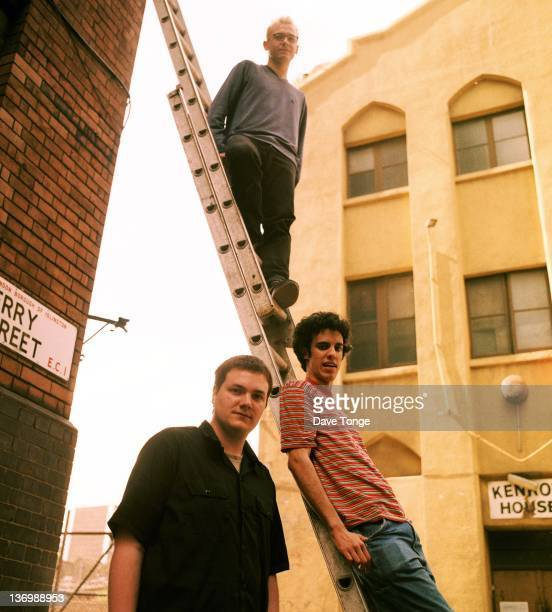 English rock group Fridge Islington London 1999 Left to right Sam Jeffers Adem Ilhan and Kieran Hebden