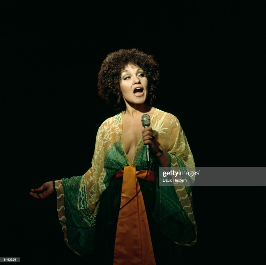 Photo of Cleo LAINE; Cleo Laine performing on stage