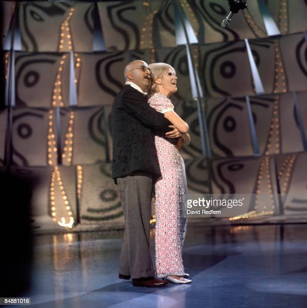 CENTRE Photo of Warren MITCHELL and Dusty SPRINGFIELD performing 'Every Little While' with Warren Mitchell