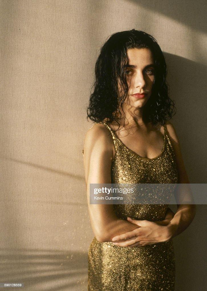 English singer-songwriter and guitarist PJ Harvey, Los Angeles, 15th September 1993.