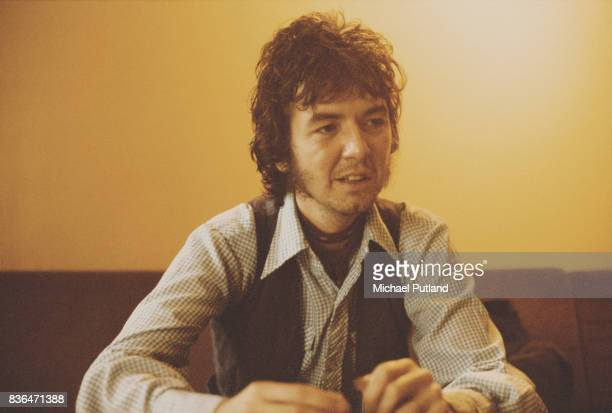 English singersongwriter and guitarist Ronnie Lane 1974
