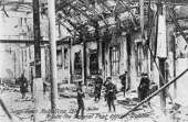 English troops inside the ruins of the Post Office after its destruction by the rebels AntiEnglish Irish uprising Dublin May 1916 The GPO building in...