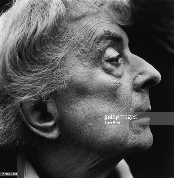 English writer Quentin Crisp author of 'The Naked Civil Servant' in New York City 1993