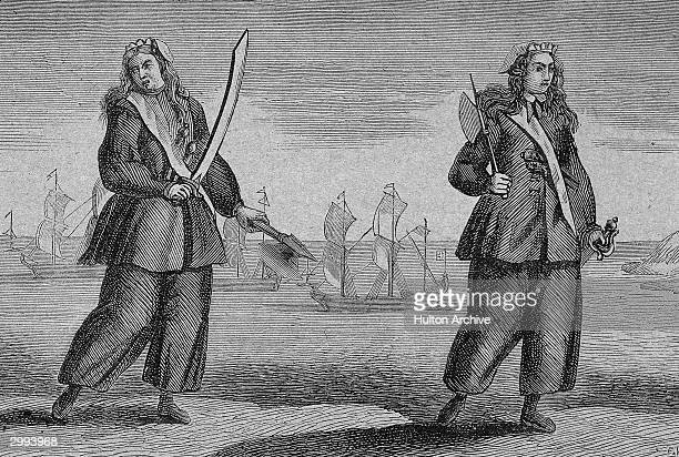 Engraving of female pirates Anne Bonny and Mary Read holding swords circa 1730