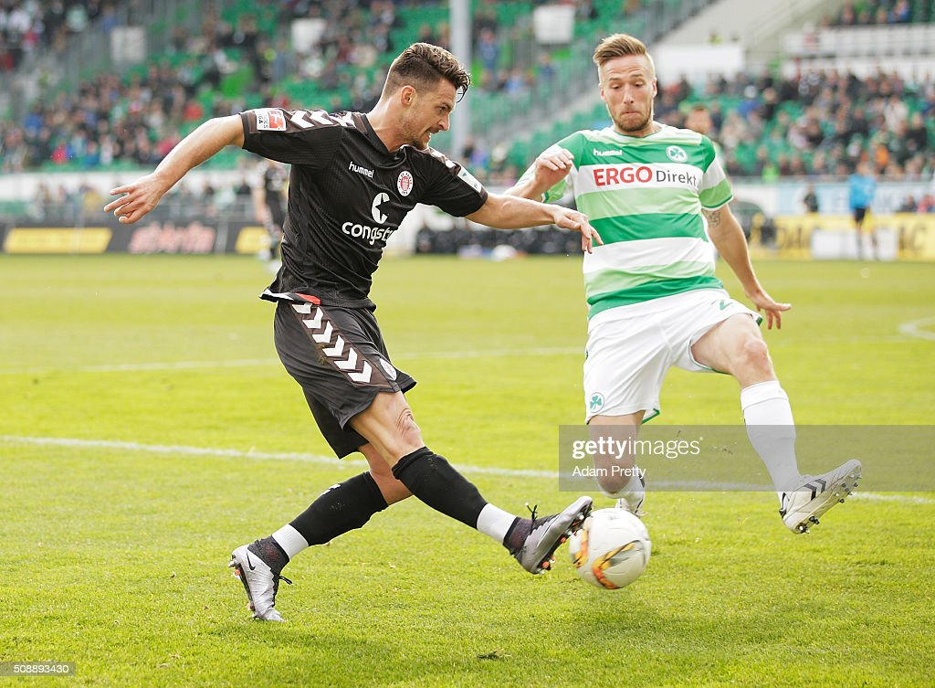 Enis Alushi of St Pauli in action during the 2. Bundesliga match between Greuther Fuerth and FC St. Pauli at Stadion am Laubenweg on February 7, 2016 in Fuerth, Germany.