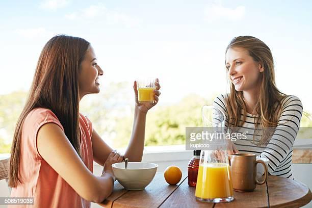 Genießen Sie die frische Luft und frisch gepresster Orangensaft
