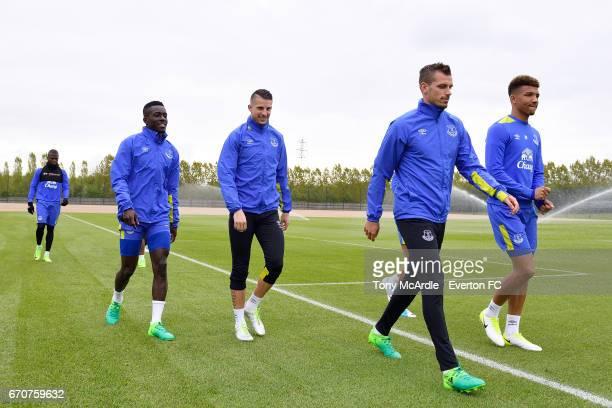 Enner Valencia Idrissa Gueye Kevin Mirallas Morgan Schneiderlin and Mason Holgate during the Everton training session at USM Finch Farm on April 20...