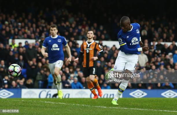Enner Valencia of Everton scores their second goal during the Premier League match between Everton and Hull City at Goodison Park on March 18 2017 in...