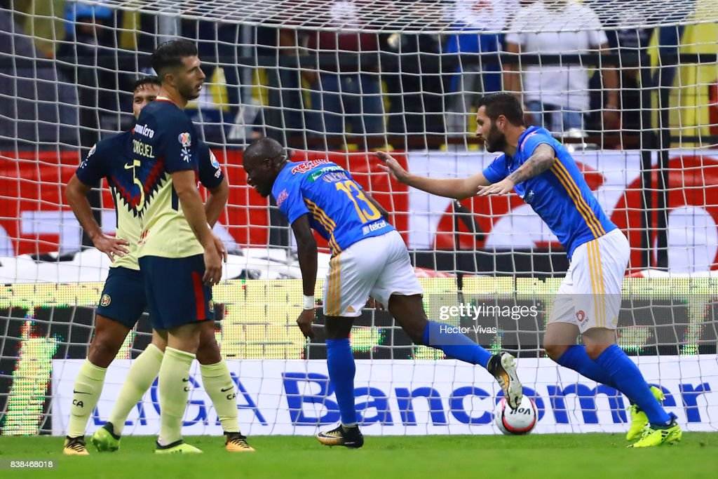 Enner Valencia of Tigres celebrates after scoring the second goal of his team during the 6th round match between America and Tigres UANL as part of the Torneo Apertura 2017 Liga MX at Azteca Stadium on August 23, 2017 in Mexico City, Mexico.