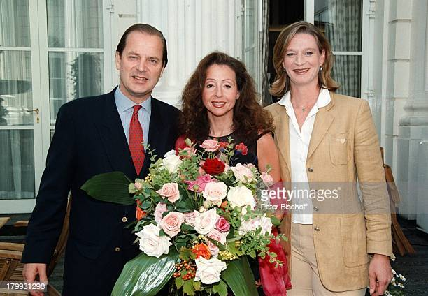 Enno Freiherr von Ruffin Vicky LeandrosNDRMitarbeiterin Melanie Malone'FleuropLady des Jahres 1999' BlumenHamburg