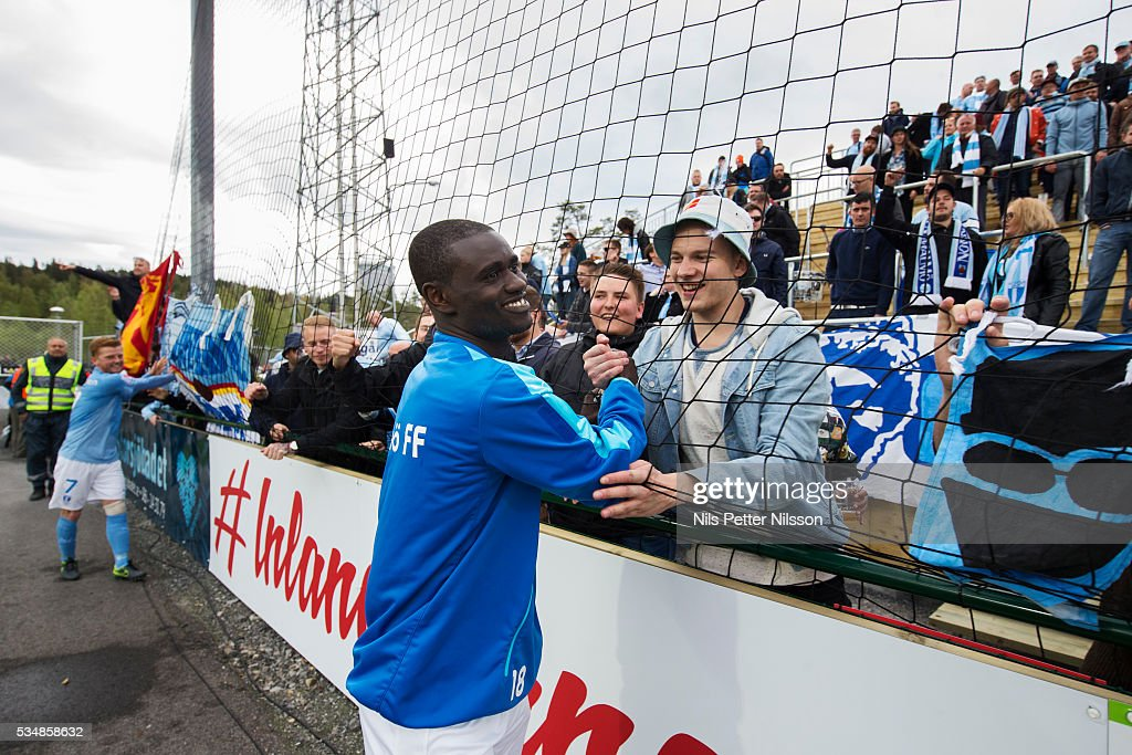 Enock Kofi Adu of Malmo FF celebrates with the fans after the Allsvenskan match between Ostersunds FK and Malmo FF at Jamtkraft Arena on May 28, 2016 in Ostersund, Sweden.