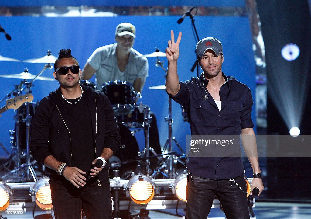 Enrique Iglesias and Sean Paul perform 'Bailando' on SO YOU THINK YOU CAN DANCE airing Wednesday September 3 2014 on FOX
