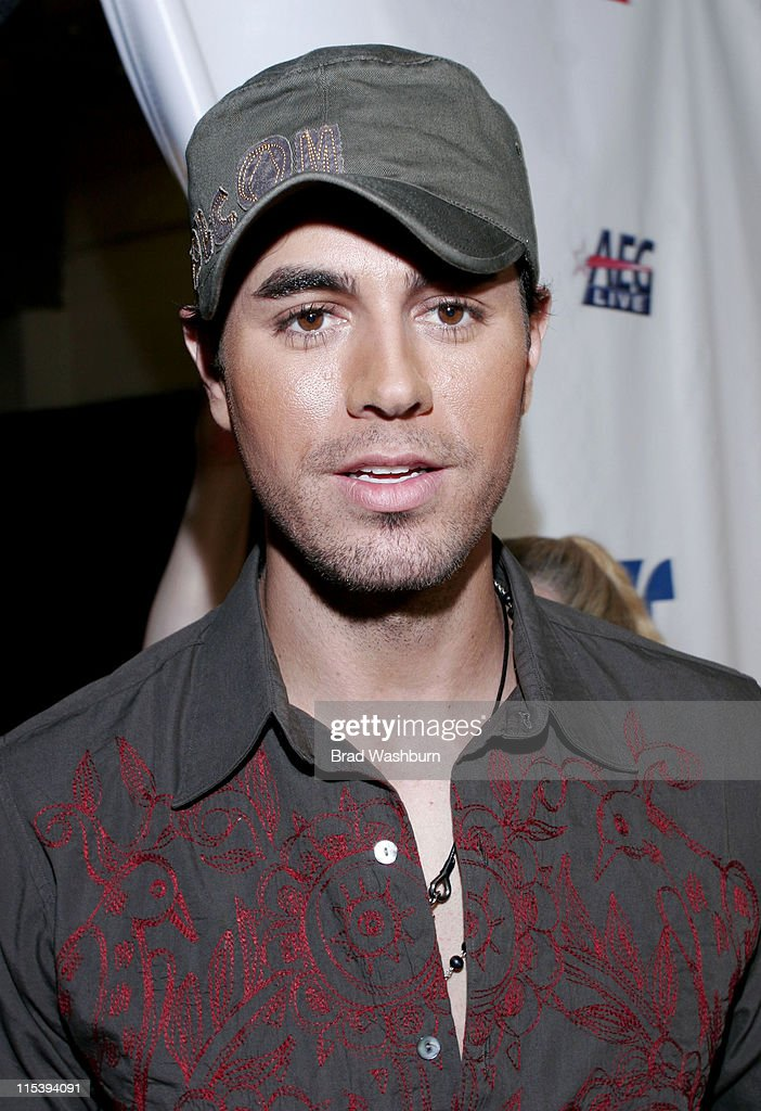 <a gi-track='captionPersonalityLinkClicked' href=/galleries/search?phrase=Enrique+Iglesias+-+Singer&family=editorial&specificpeople=202672 ng-click='$event.stopPropagation()'>Enrique Iglesias</a> during Una Noche de Paz at Theatre at Arrowhead Pond in Anaheim, California, United States.