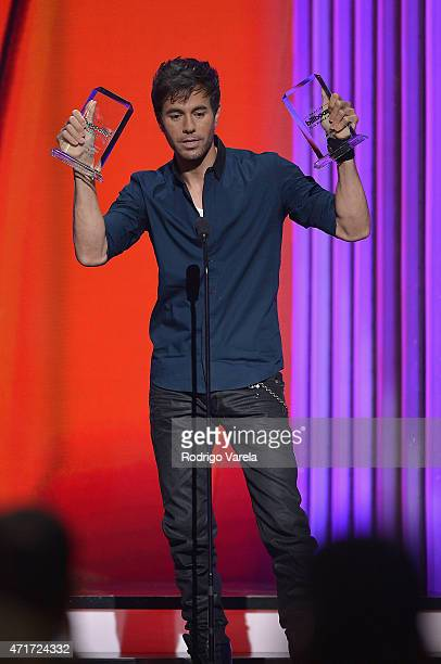 Enrique Iglesias performs onstage at the 2015 Billboard Latin Music Awards presented bu State Farm on Telemundo at Bank United Center on April 30...