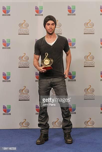 Enrique Iglesias poses backstage at the Premio Lo Nuestro a La Musica Latina at American Airlines Arena on February 16 2012 in Miami Florida