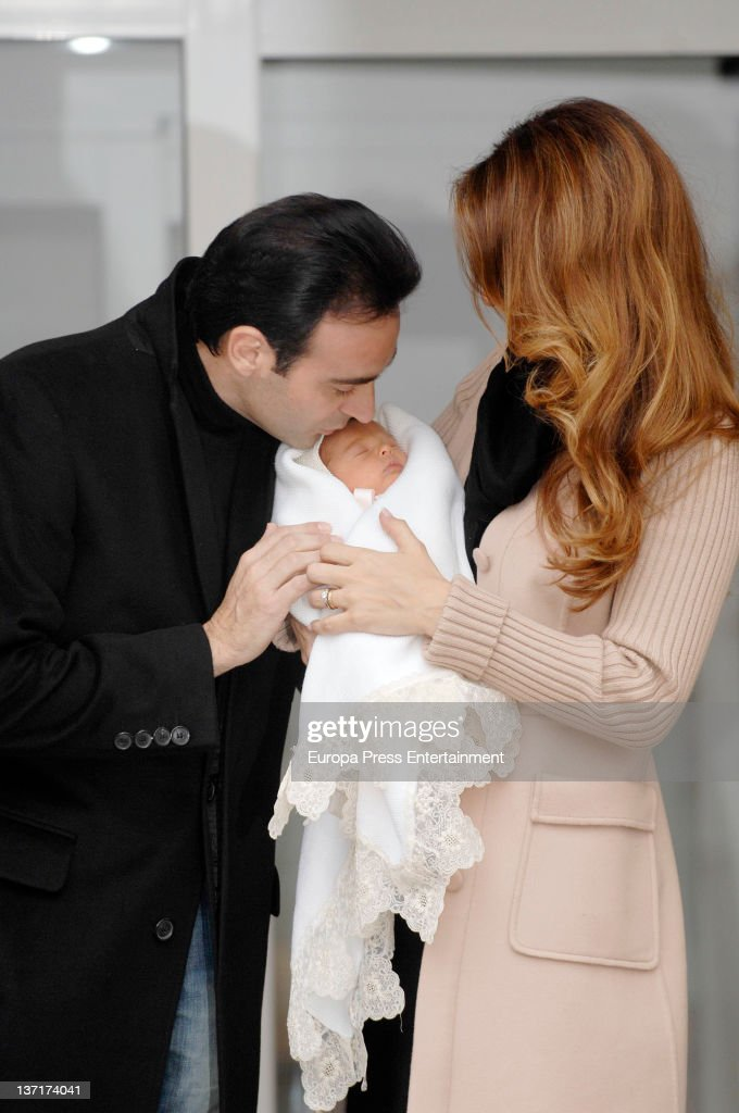 Enrique Ponce and Paloma Cuevas Present New Born Bianca at Hospital