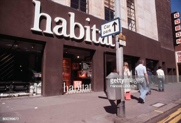 Enseigne de grand magasin en septembre 1977 à Londres RoyaumeUni