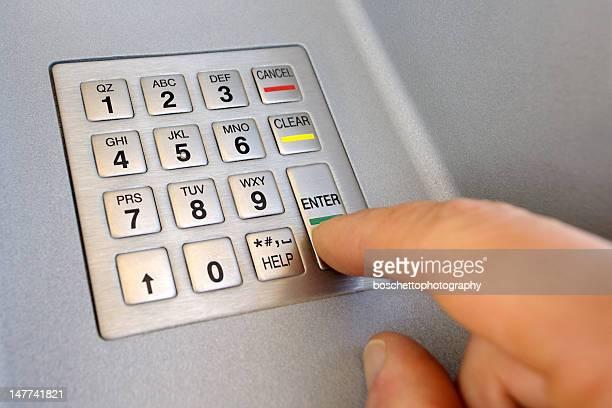 Geldautomat Pin-code eingeben