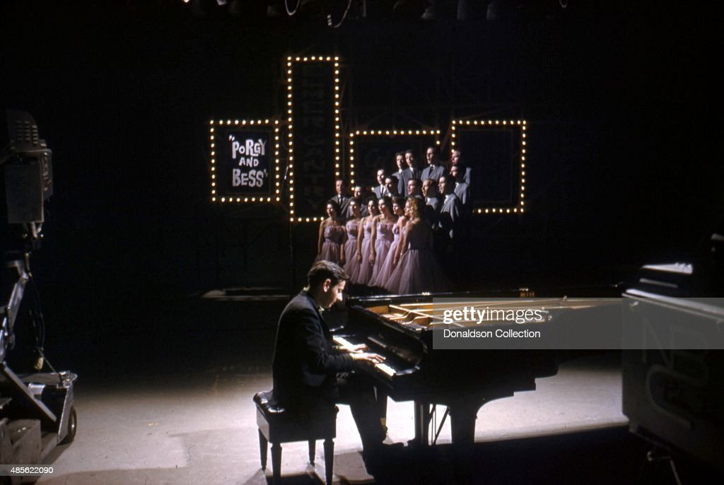 Entertainer <a gi-track='captionPersonalityLinkClicked' href=/galleries/search?phrase=Andre+Previn&family=editorial&specificpeople=890306 ng-click='$event.stopPropagation()'>Andre Previn</a> on the TV show 'Perry Como's Kraft Music Hall' in New York.