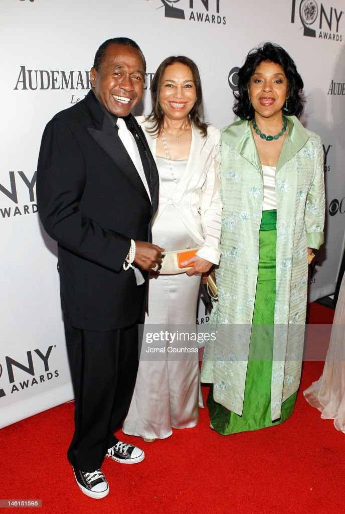 Entertainer <a gi-track='captionPersonalityLinkClicked' href=/galleries/search?phrase=Ben+Vereen&family=editorial&specificpeople=241224 ng-click='$event.stopPropagation()'>Ben Vereen</a> (L), Actress <a gi-track='captionPersonalityLinkClicked' href=/galleries/search?phrase=Phylicia+Rashad&family=editorial&specificpeople=206924 ng-click='$event.stopPropagation()'>Phylicia Rashad</a> (R) and guest attend the 66th Annual Tony Awards at The Beacon Theatre on June 10, 2012 in New York City.