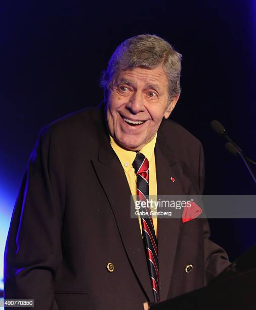 Entertainer Jerry Lewis accepts the 2015 Casino Entertainment Legend Award at Global Gaming Expo's Casino Entertainment Awards at Vinyl inside the...