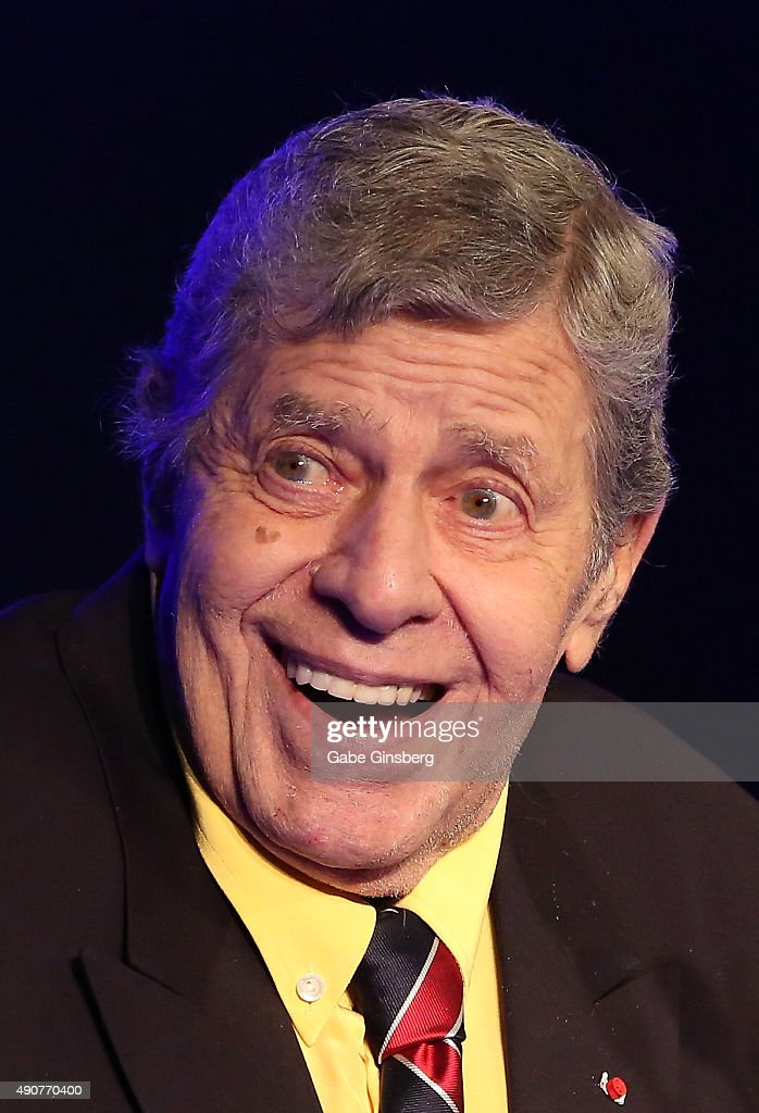Entertainer <a gi-track='captionPersonalityLinkClicked' href=/galleries/search?phrase=Jerry+Lewis+-+Com%C3%A9dien&family=editorial&specificpeople=202947 ng-click='$event.stopPropagation()'>Jerry Lewis</a> accepts the 2015 Casino Entertainment Legend Award at Global Gaming Expo's (G2E) Casino Entertainment Awards at Vinyl inside the Hard Rock Hotel & Casino on September 30, 2015 in Las Vegas, Nevada.